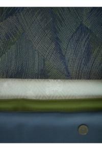 Grün-Blau-Wollweiß